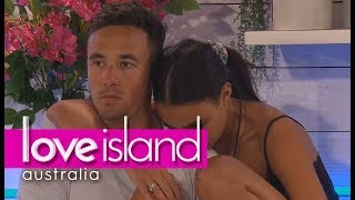 Tayla and Grant hook up in front of Cassidy | Love Island Australia 2018