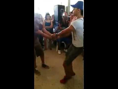 Gays dominicanos bailando merengue