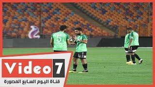 لاعب بني سويف يخرج عن شعوره بعد تبديله في مباراة الأهلي