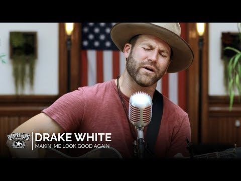 Drake White - Makin' Me Look Good Again (Acoustic) // Country Rebel HQ Session