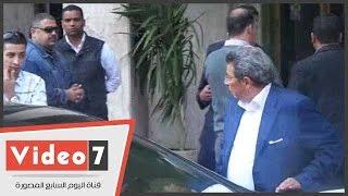 بالفيديو..محمود سعد يصل منزل هيكل لتقديم واجب العزاء
