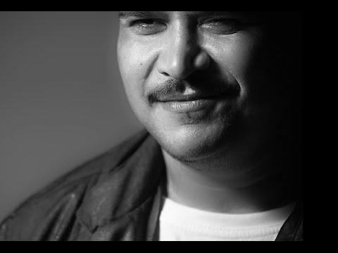 Yener Çevik - Bi Siyah Bi Beyaz - Official Clip