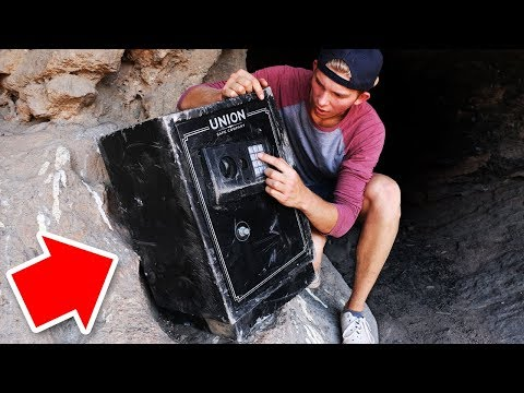 Lost Abandoned Safe Found in the Wilderness! (WE OPENED IT)