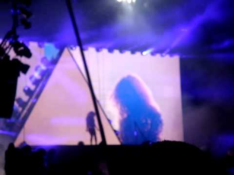 Beyonce - Crazy In Love (Glastonbury Festival 2011 Intro)