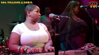 """AVERY SUNSHINE PERFORMS """"UGLY PART OF ME"""" LIVE"""