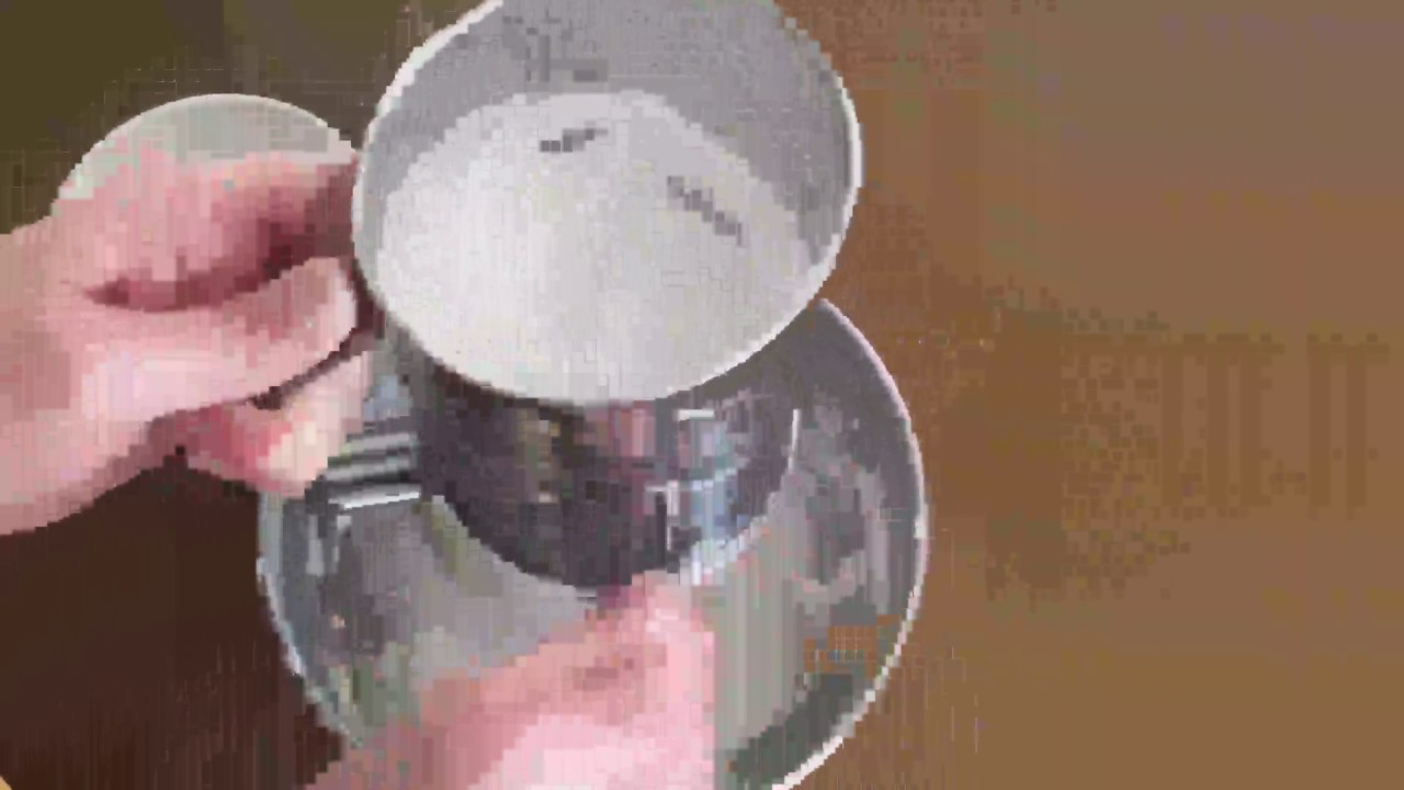 3 Cup Stainless Steel Rotary Hand Crank Flour Sifter With 2 Wire Agitator