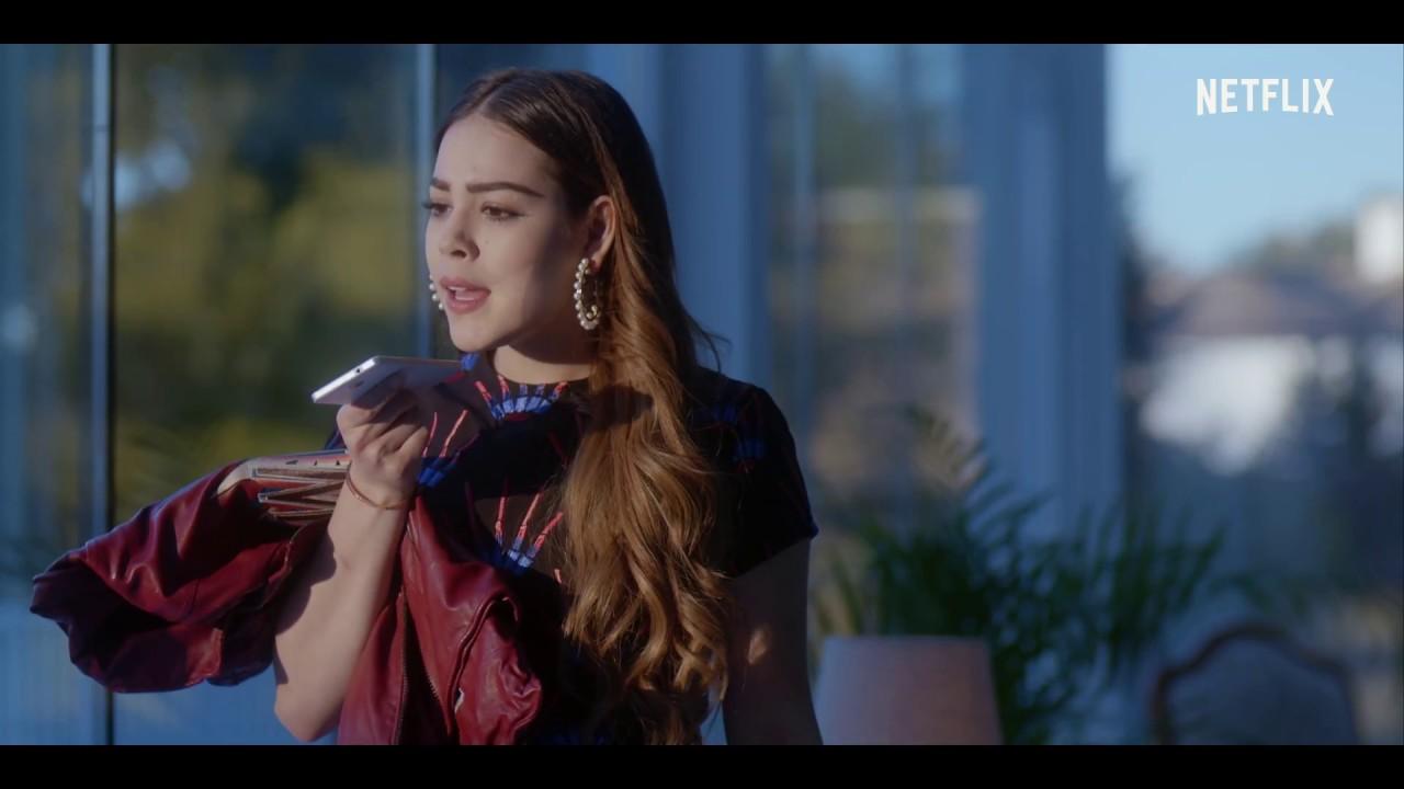"Amy A Mochila Azul elite"" star danna paola on playing the las encinas mean girl"