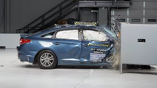 2017 Hyundai Sonata passenger side small overlap IIHS crash test