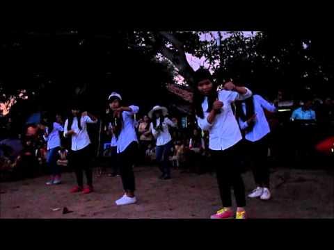 Charming Cats Dance Cover - Các e Làng Ron Kon Tum