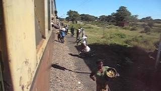 A station in Savanna,  Zimbabwe railways サバンナの停車駅 ジンバブエ鉄道