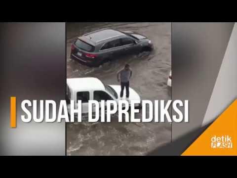 Jeddah Banjir setelah Hujan Lebat, Jalanan dan Mobil Terendam!