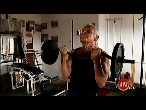 Tiene 80 años y es fisiculturista