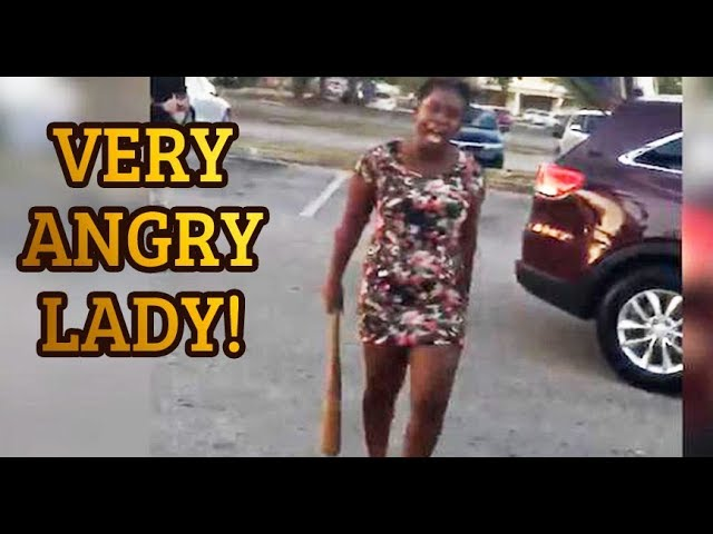 THIS LADY HAS ANGRY ROAD RAGE!