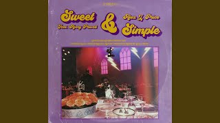 Gambar cover Sweet & Simple (feat. Avery Powell)