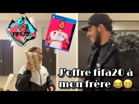 J'ACHÈTE FIFA 20 A MON FRÈRE 👫