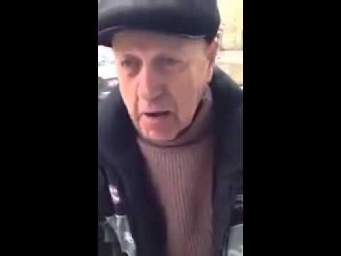 мужик рассказывает анекдот про хозяйство - Поисковик