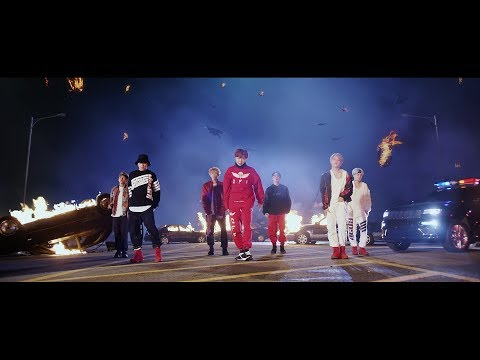 BTS (氚╉儎靻岆厔雼�) 'MIC Drop (Steve Aoki Remix)' Official MV