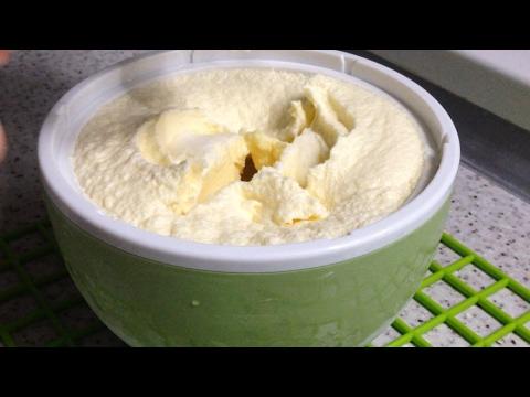 Домашнее сливочное мороженое. Пломбир домашний в мороженице.