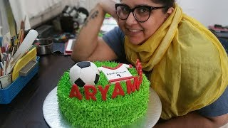 Cake Decorating Tutorial:Soccer cake decorating tutorial