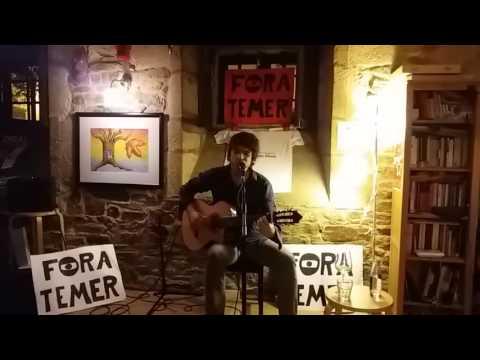 Fred Martins canta no Couto Mixto Compostela #Brasilegos #ForaTemer