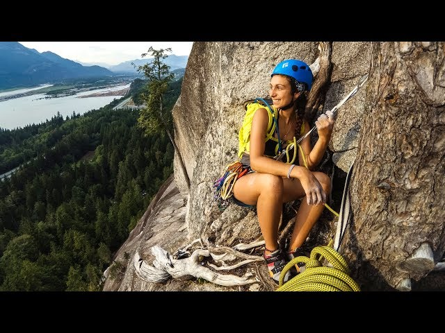 On a escaladé 130m ensemble à Squamish! - [Vlog #6]