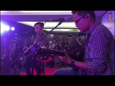 Ariel NOAH - Menghapus Jejakmu | Live