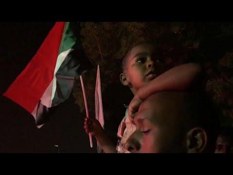 -تجمع المهنيين السودانيين- يحدد موعد إعلان أسماء أعضاء المجلس الرئاسي المدني …  - نشر قبل 2 ساعة
