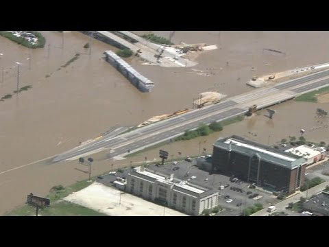 Flooded towns in Missouri still face rainstorms