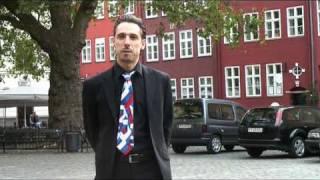 Человек говорит на 10 языках. По-русски тоже.Endhairloss.eu