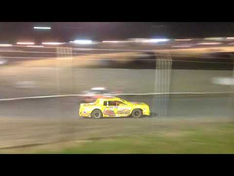 Superbowl Speedway Factory Stock Feature 9-9-17