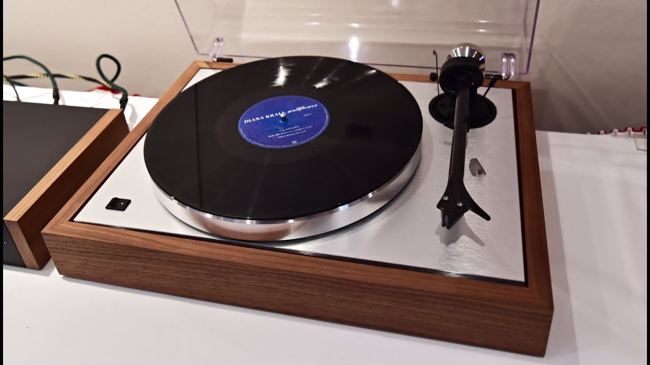 pro ject the classic turntable gramofon plattenspieler top. Black Bedroom Furniture Sets. Home Design Ideas