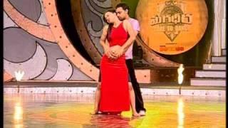 Video Master Vijay's Hot performance@Magadheera-Dare To Dance,ZEE Telugu,India download MP3, 3GP, MP4, WEBM, AVI, FLV Oktober 2018