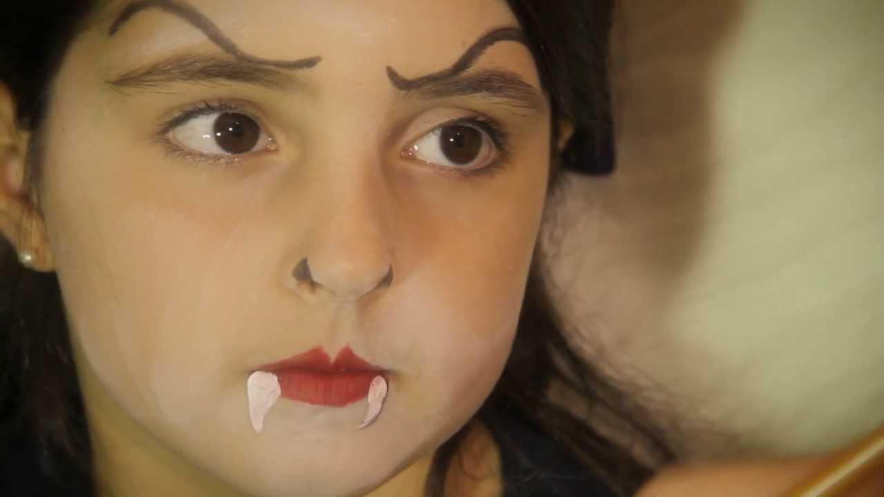 Maquillaje de halloween para ni as vampiresa youtube - Como pintar la cara de nina de bruja ...