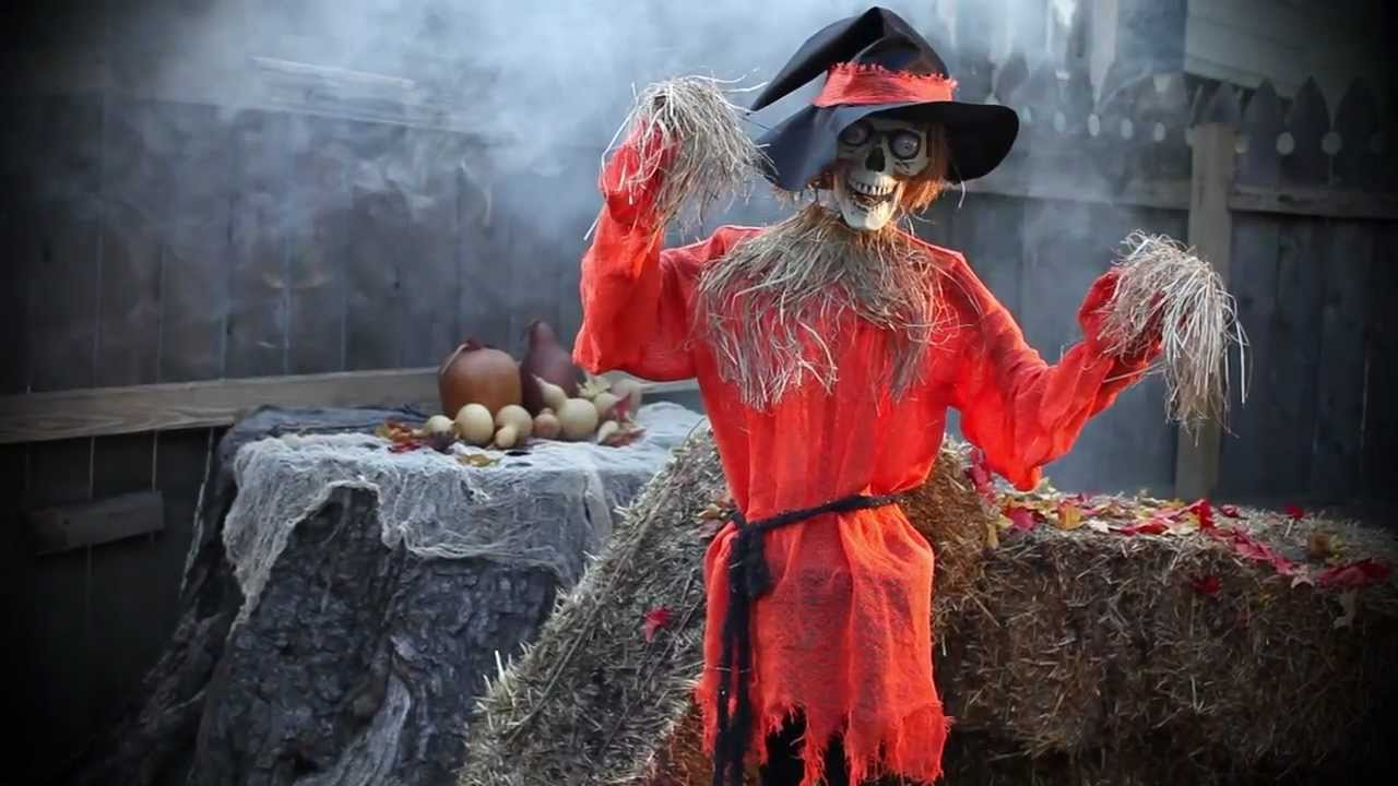 Scarecrow animated halloween decoration youtube for Animated scarecrow decoration