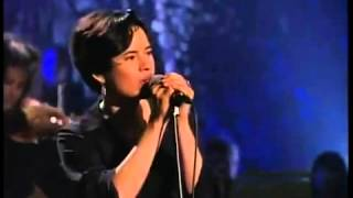 10,000 Maniacs - Because The Night ( MTV Unplugged )