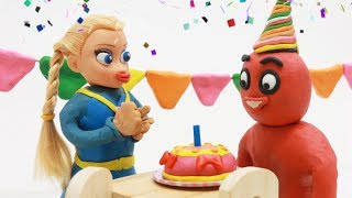 SUPERHEROES BABIES BIRTHDAY PARTY - Play Doh & Clay Fun Superhero Stop Motion Cartoons