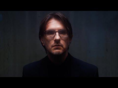 Смотреть клип Steven Wilson - Eminent Sleaze