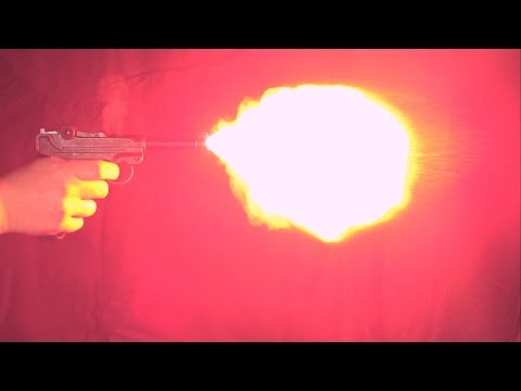 Zeitlupe der ME P08 9mm P.A.K. / slowmotion of the ME P08