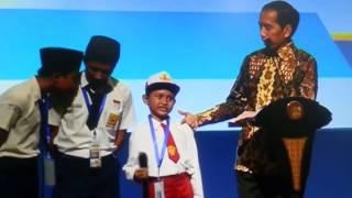 Jokowi Vs Murid SD Kurang Ajar Tapi Lucu Dengan Ikan Kont Nya.