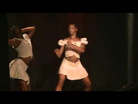 Madame Lola mène la danse