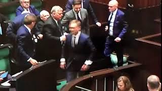 NITRASowi znów odwaliło! Chciał zaatakować Kaczyńskiego w Sejmie!