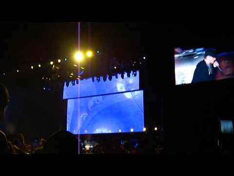 Eminem-Live Epicenter 2010-(3AM, Square Dance, WTP) [HD]