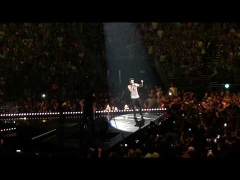 Maroon 5 New Song Don't Wanna Know - Live...