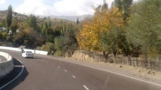 Автодорога Коканд-Ташкент.Октябрь 2011г..mp4(Автодорога через перевал Камчик,высота над уровнем моря 2230м.Расстояние 232км., 2011-11-26T22:41:28.000Z)