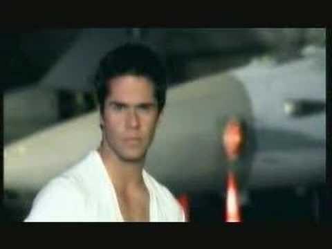 Γιώργος Τσαλίκης - Γιατί αστέρι μου | Giorgos Tsalikis- Giati asteri mou - Official Video Clip
