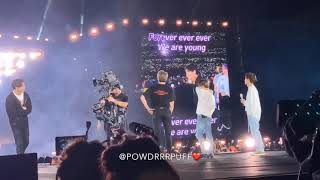 АРМИ поют песню Young Forever на концерте BTS ARMY sing a song Young Forever at a concert BTS
