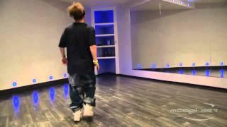 Саша Алехин - урок 2: видео уроки танцев хип хоп(Преподаватель Model-357 Lab. 357.ru/teachers/aleksandr-alexin С помощью этого видео по хип хоп танцу можно изучить основные..., 2011-08-04T20:46:44.000Z)
