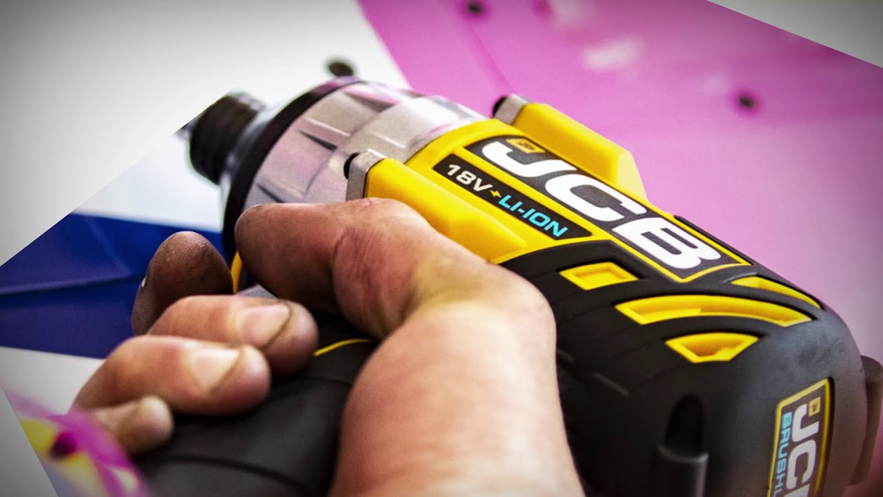F1 Team SportPesa Racing Point Chooses JCB Power Tools
