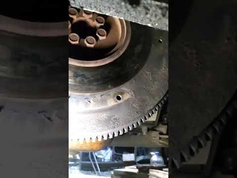 Замена подшипника в коленвале умз 4216 в который вставляется первичный вал кпп
