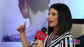 Baixar ¿Laura Pausini cantando urbano?